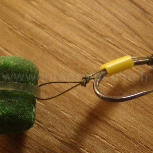 Mise en place d'un pellet Sonubaits Band'um sur un montage feeder/method feeder.